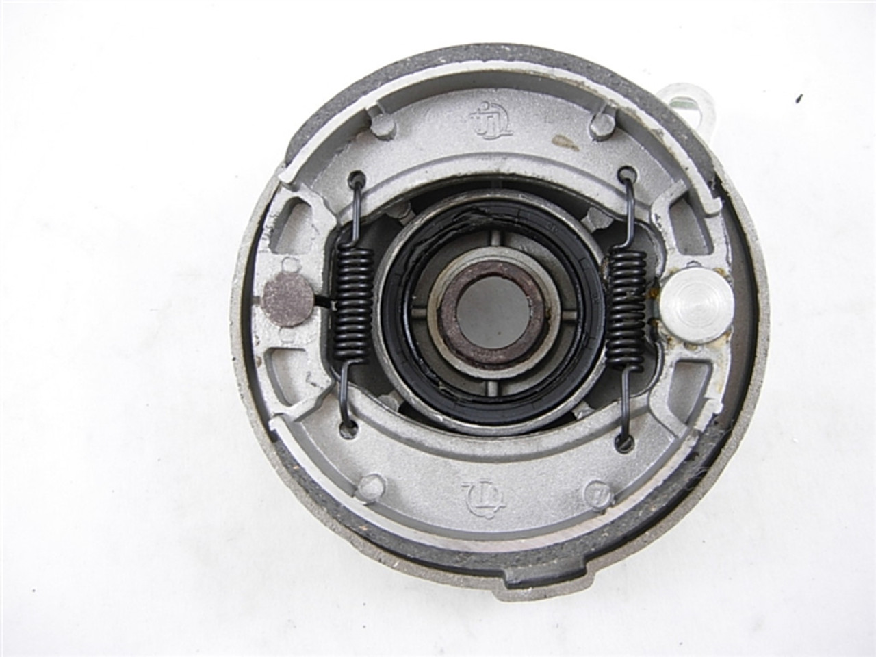 drum brake (right side ) 13728-a208-2