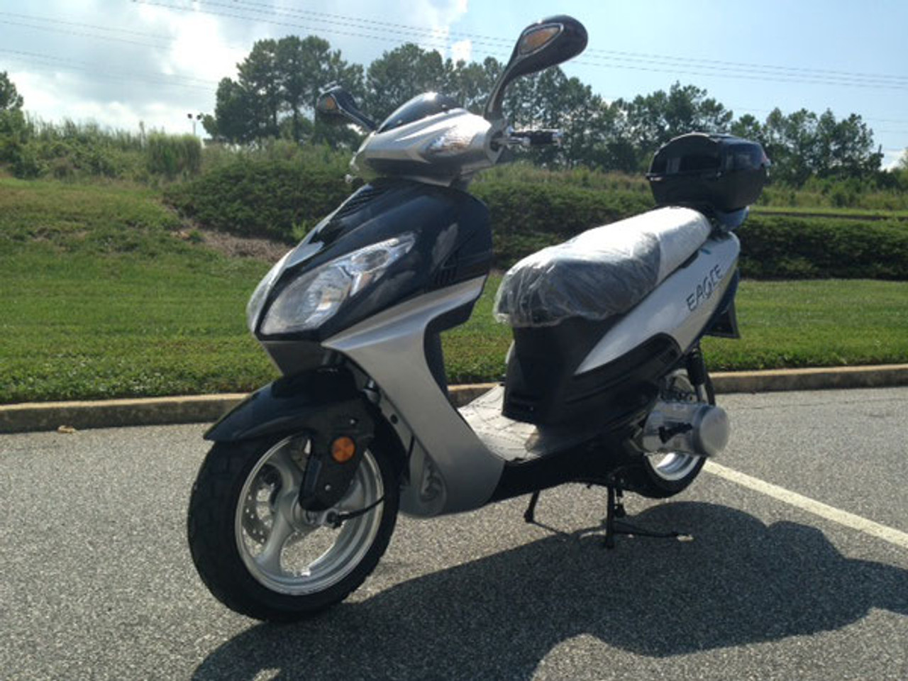 Vitacci EAGLE 150cc Scooter, 4 Stroke, Air-Forced Cool,Single Cylinder