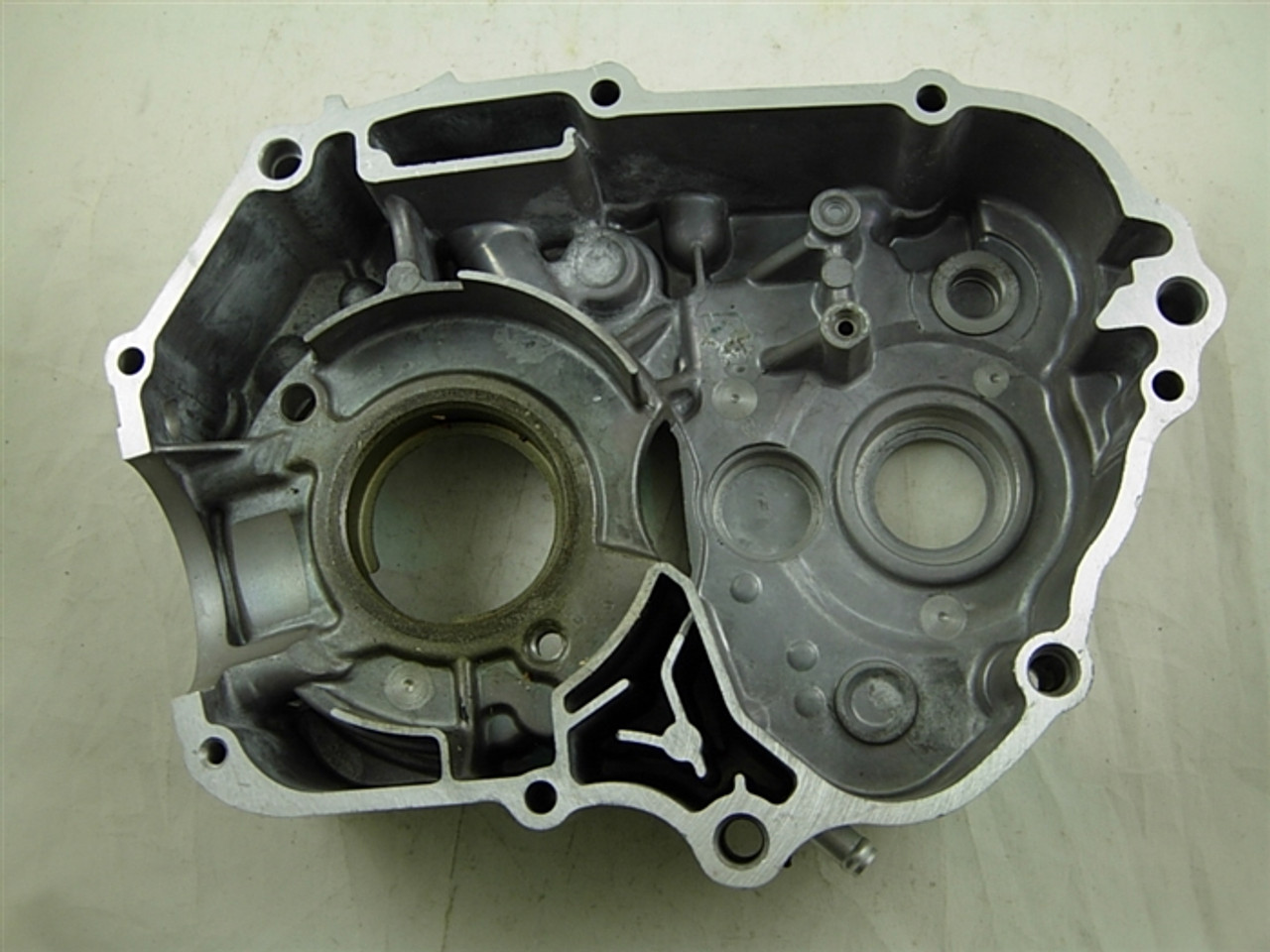 left inside crankcase cover 10589-a33-13