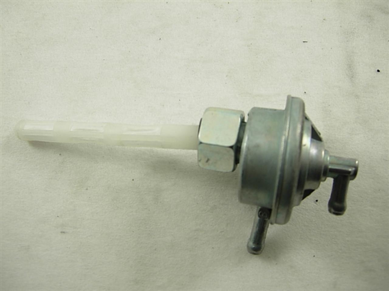 fuel valve w/ filter/pump 11128-a63-12