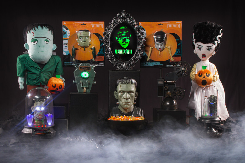 Gemmy Industries Unveils Universal Monsters Décor for Halloween at Lowes