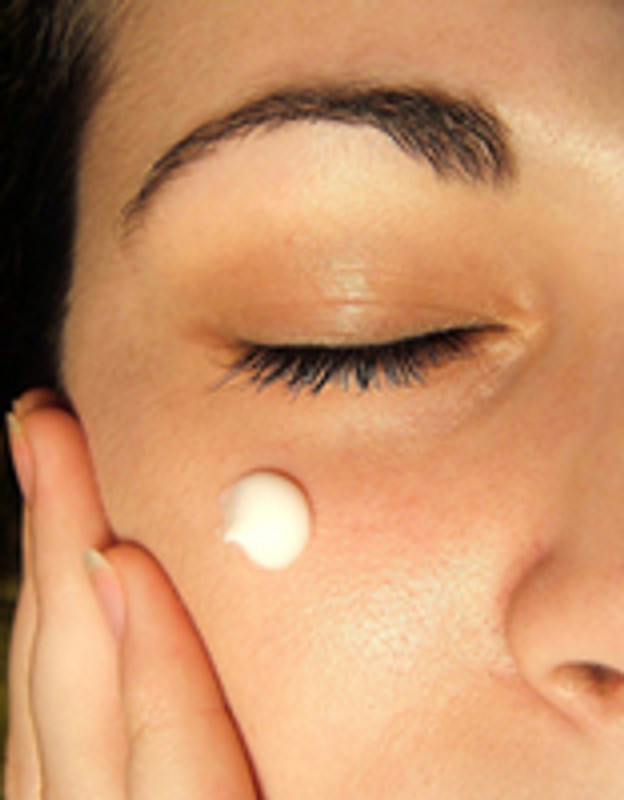 Reduce Dark Circles and Puffy Eyes With Caffeine Eye Cream