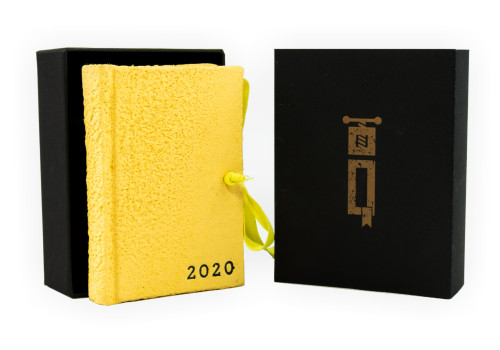 Small Planner 2020 - Daily - Moonrock Paper   Papel Collection