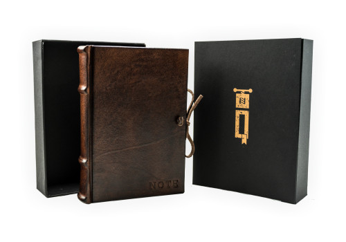Medium Notebook - Leather | Narcissus Collection