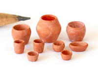 1:48 quarter scale flowerpots in various shapes and sizes