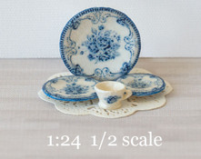 1:24 Blue and White Decals for Dishes