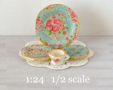 1:24 half scale Blue Chintz decals for miniature dishes