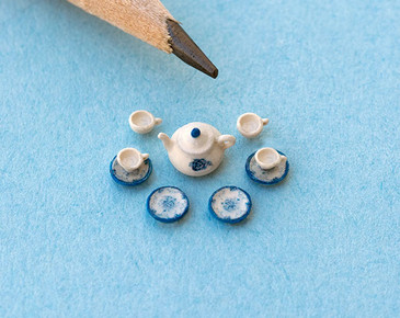 1:48 Scale Blue and White Decals and Tea Set