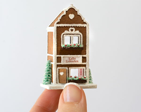 Micro Gingerbread Cafe Kit with Furnishings
