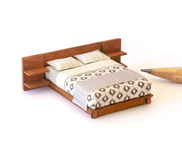 1:48 quarter scale modern bed with nightstands kit
