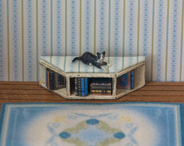 1:48 quarter scale bench with books