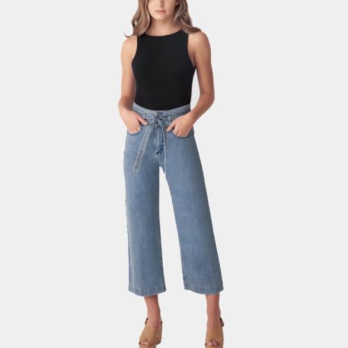 Women's Silver® Belted High Rise Wide Leg Crop Jean SAP235-Medium Indigo Front