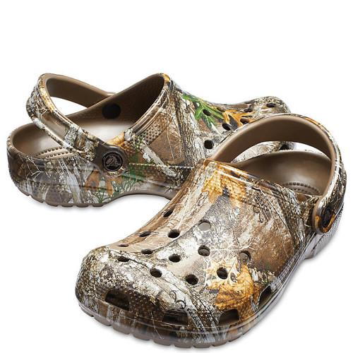 Men's Crocs™ Classic Realtree Edge® Clog Walnut
