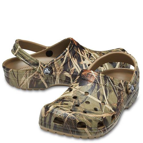 Men's Crocs™ Classic Realtree® V2 Clog Khaki
