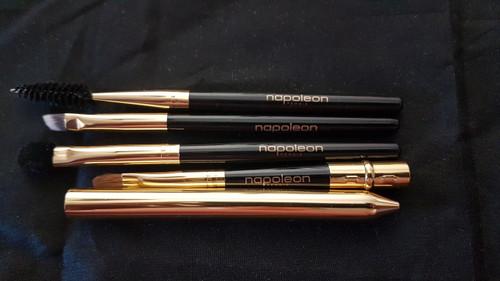 Napoleon Perdis Travel makeup Brush for eyes, lips & mascara