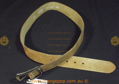RARE AUSTRALIAN MADE Sportsgirl Tan embossed leather Women's Ladies Fashion Belt