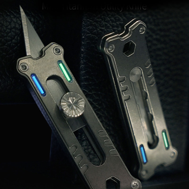 MecArmy EK12 Mini Utility with Tritium