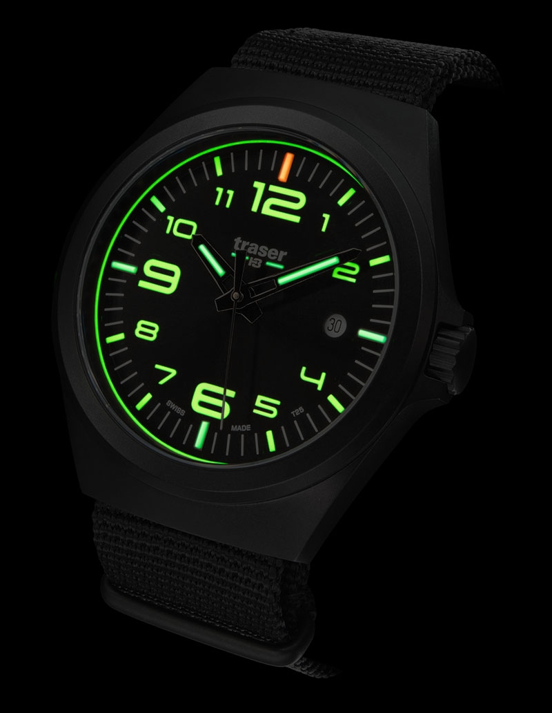 Traser H3 P59 Essential M Black NATO