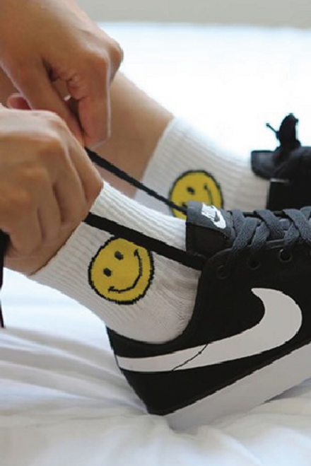 Smile Crew length Socks | 5 Colors