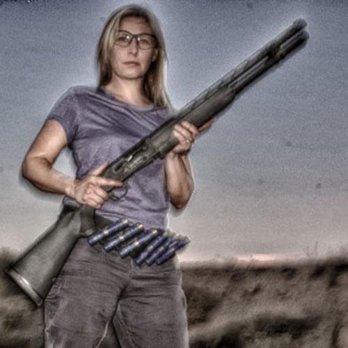 gungirl-jacquelinejanes.jpg