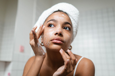 Are You Washing Your Face The Wrong Way?- The 4 Things You Need to Know Now