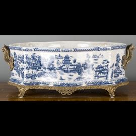 Classic Blue and White Porcelain Centerpiece Centerpiece Foot Bath Planter with Bronze Mounts