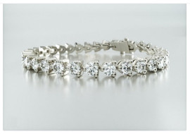 10636 18K W/G Hearts and Arrows 1/3 carat Diamond Bracelet