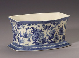 Blue and White Decorative Transferware Porcelain Oblong, Rectangular Planter, 10L X 7d X 5t