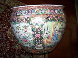 Gold Rose Medallion - Luxury Handmade Reproduction Chinese Porcelain - Fish Bowl Detail