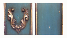 ➨ Custom Decorator Shabby Chic Blue with Gold Antique Accent Furniture Finish