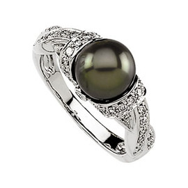 Black Freshwater - Near Round Cultured Pearl & Gold - Diamond Ring