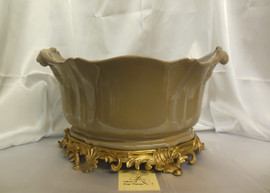 Lyvrich Fine Handcrafted d'oro Ormolu Porcelain - Flower Pot Planter, Centerpiece - Taupe Decorator Solid - 11t X 19w X 13d