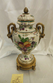 Lyvrich Elegant Handcrafted d'oro Ormolu, Superb Porcelain Centerpiece - Potiche Jar, Mantel Urn, Seasonal Summer Fruit 20.5t X 10w X 8d