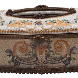 #Lyvrich d'Elegance, Porcelain and Gilded Dior Ormolu | Crackle | Tissue Box Centerpiece | 4.73t X 11.62L X 6.34d | 6334