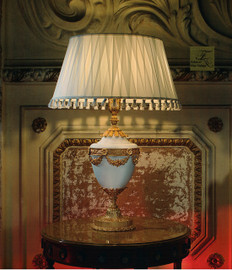 "European Table Lamp in Porcelain and Gilt Bronze Ormolu - 31.50""t x 21.50""dia. - Opulent 24 Karat Gold Finish, 6984"