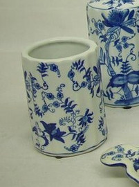 Blue and White Delicate Flower Vine - Luxury Hand Painted Chinese Porcelain - 4 Inch Toothbrush Holder, Pen Cup - Style G722