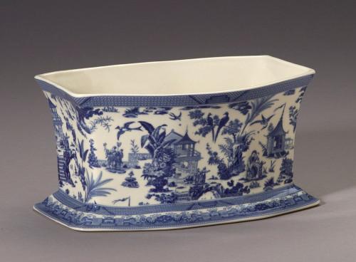 Blue and White Decorative Transferware Porcelain Oblong, Rectangular Planter, 10L X 7d X 5t