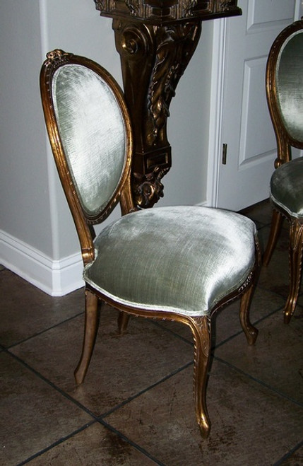 A Transitional Oval Back - 37.25 Inch Handcrafted Reproduction French Dining | Accent Side Chair - Light to Medium Green Velvet Upholstery 050 - Metallic Antique Gold Luxurie Furniture Finish NF11Cust