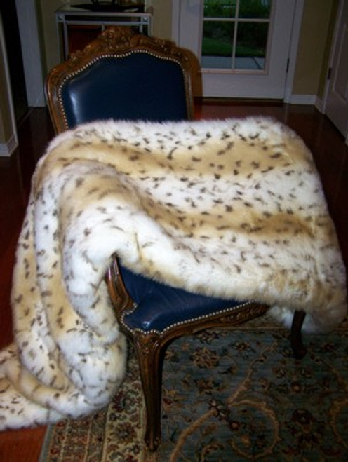 """Snow Leopard Faux Fur Throw - Natural look & Luxuriously Soft - Large 58"""" X 59"""""""