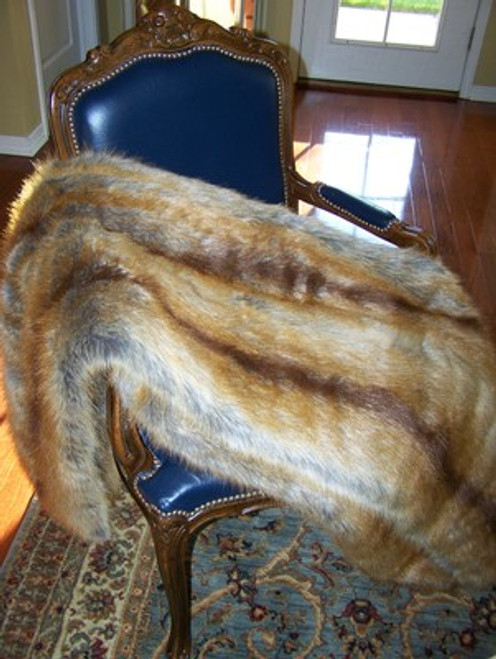 """Golden Fox Faux Fur Throw - Natural look & Luxuriously Soft - Large 58"""" X 59"""""""