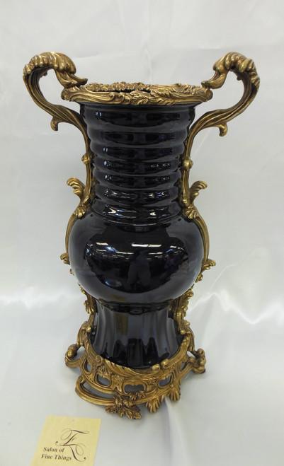 Lyvrich Handmade d'oro Ormolu Preeminent Porcelain - Vase - Cobalt Blue Decorator Solid - 18t X 11w X 8.5d