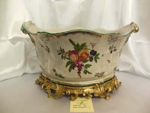 Lyvrich Elegant Handcrafted d'oro Ormolu, Superb Porcelain - Flower Pot Planter - Seasonal Summer Fruit - 11t X 19w X 13d
