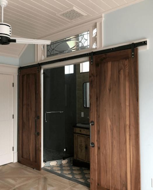 Hudson Double barn door bathroom lifestyle