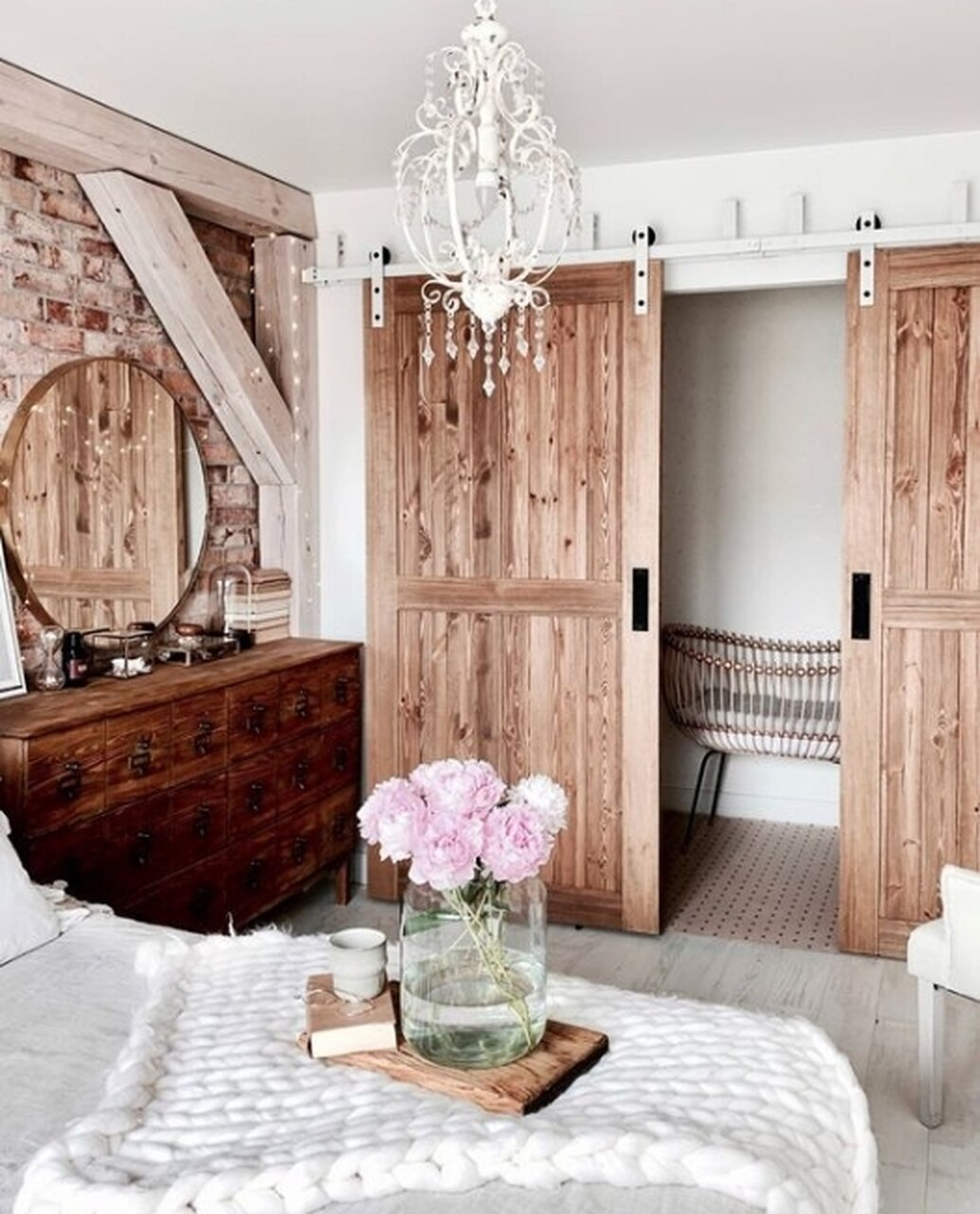 bedroom-double-sliding-barn-doors.jpg