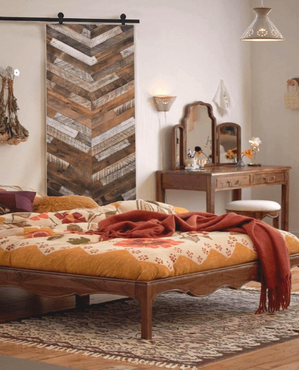 bedroom-reclaimed-wood-sliding-barn-door.jpg