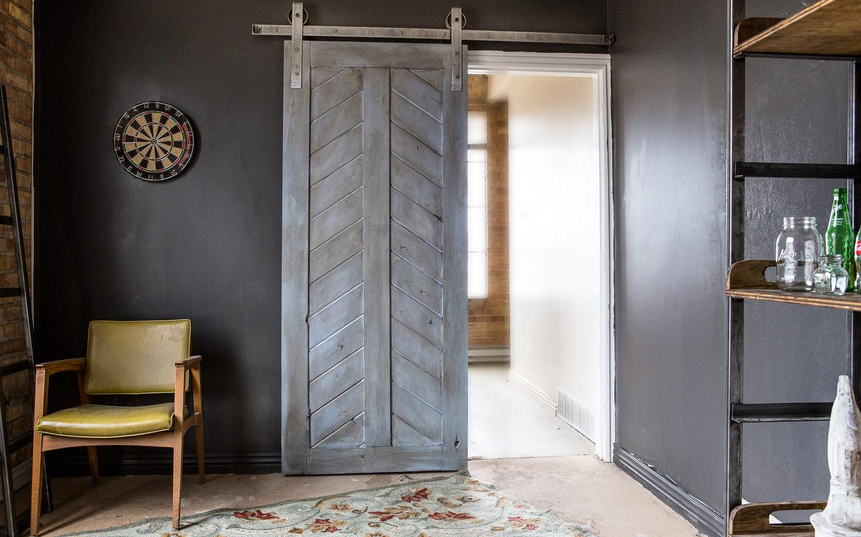 rustic-barn-doors-896x560.jpg