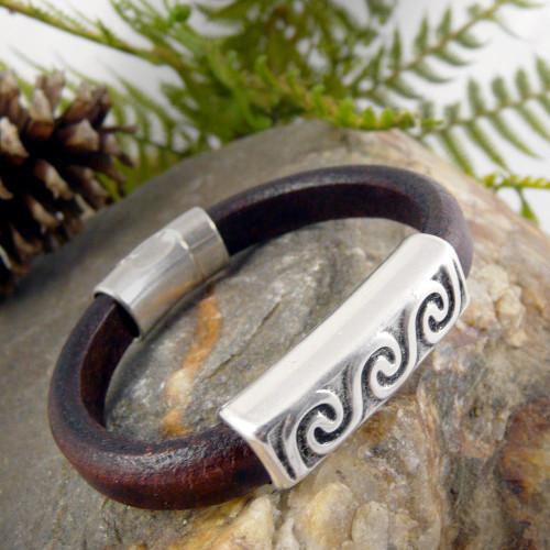 Unisex Pewter Wave and Leather Bracelet