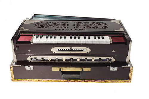 Paul and Co. 4 Reed Scale Change Fold Up Harmonium 13 Scale