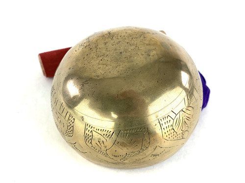"""5"""" A/D# Note Engraved Himalayan Singing Bowl #a4280321"""