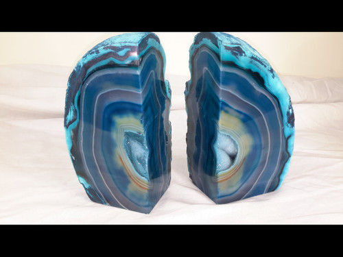 Beautiful AAA+ Artist Grade - Twice Cut and Polished Agate Geode. -Book End Style Cut